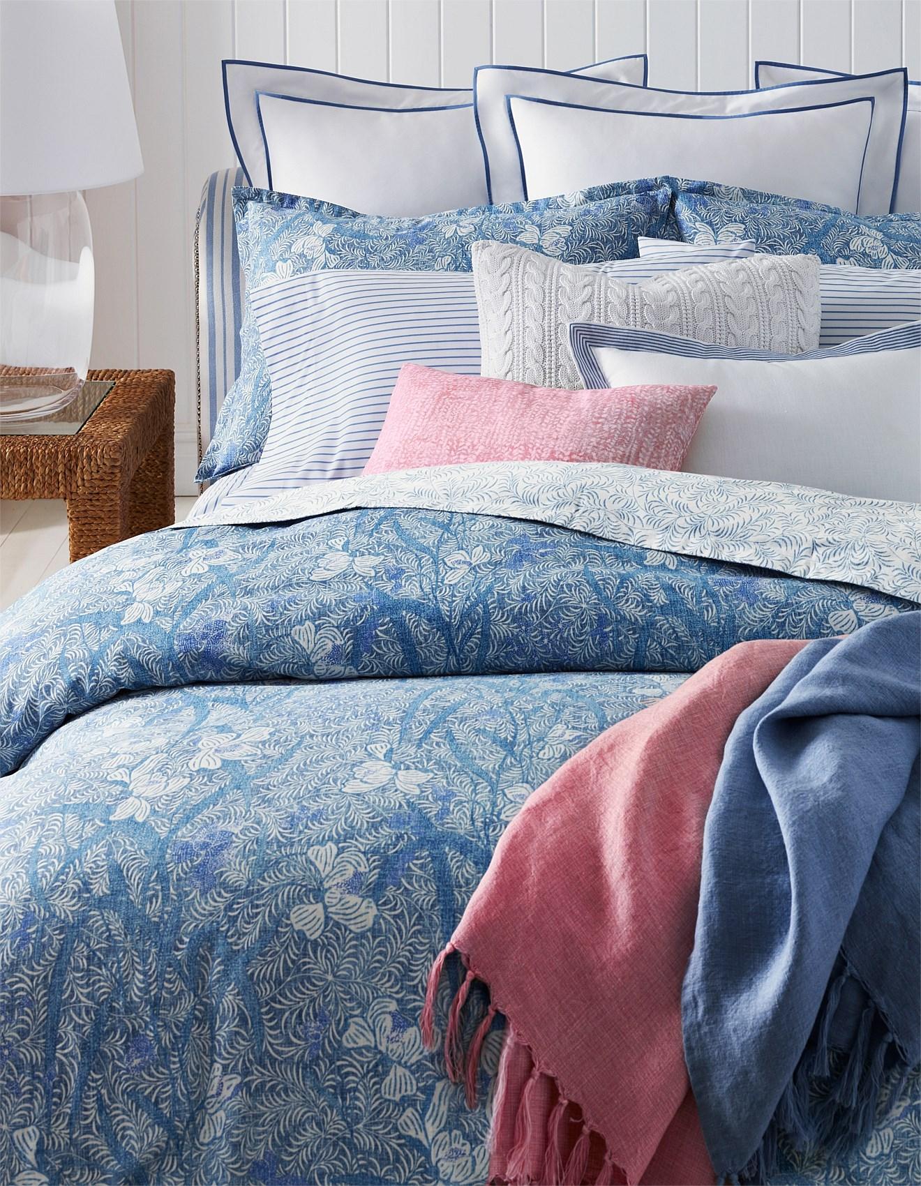 e6abae82bb Meadow Lane Kaley Queen Bed Duvet Cover 210x210cm