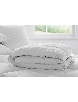 Deluxe Feather &  Down Super King Quilt
