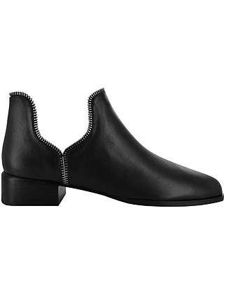 Bailey Vii Boot W Side Cut Out