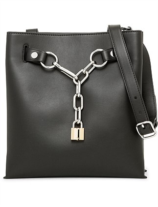 Attica Chain Shoulder Black Smooth Calf/Ir