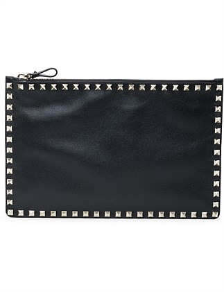 ROCKSTUD LARGE LEATHER FLAT POUCH
