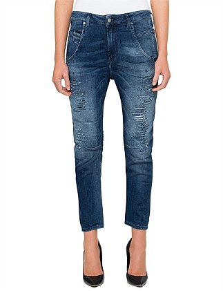 FAYZA MID RISE RELAXED BOYFRIEND JOG JEAN WITH DESTRUCTION