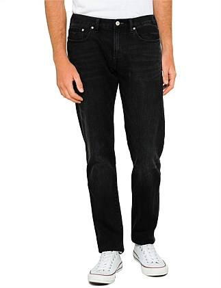 Tapered Fit Washed Stretch Denim Jean