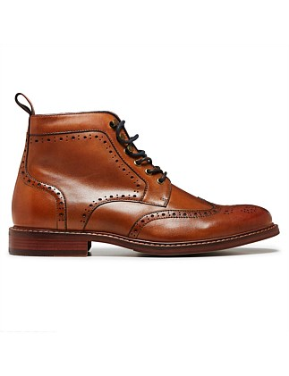 CAUSE BOOT W/ BROGUE DETAIL