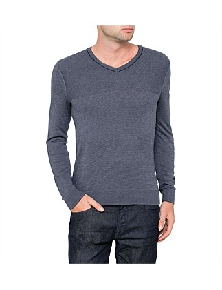 V neck lightweight jumper