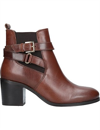 CARVELA-SAINT-BROWN
