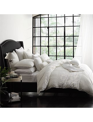 LEYLA IVORY QUILT COVER SET - QUEEN BED