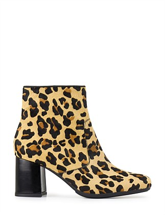URSUNA PRINTED ANKLE BOOT