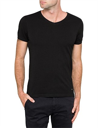 Trace V-neck basic cotton tee