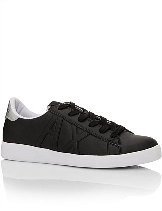 LOW TOP SNEAKERS
