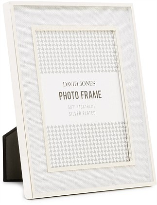 3243d86c7b35 Silver Plated White Linen 5X7 Metal Photo Frame ...