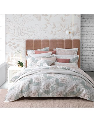 FLORAL TRELLIS BLUSH QUILT COVER SET QUEEN BED