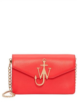 JW LOGO LEATHER PURSE WITH CHAIN