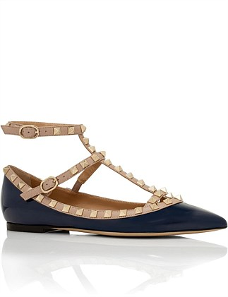 568c85c61ff9 ROCKSTUD CAGED FLAT PATENT Special Offer. Valentino