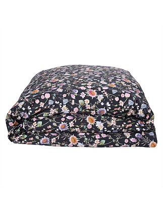 BOUQUET BLACK QUEEN BED QUILT COVER