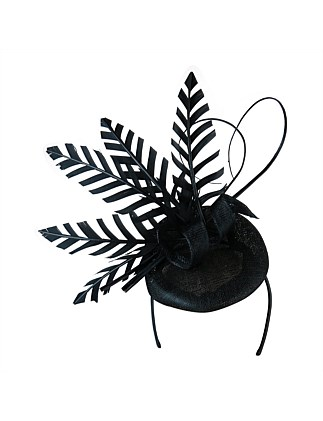 Sinamay beret with cut skeleton feathers