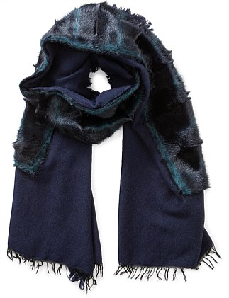 SCARF WITH FUR