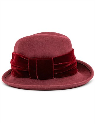 PROFILE FEDORA WITH VELVET BAND