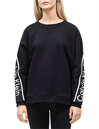 cropped long sleeve oversize pullover w/ logo tape