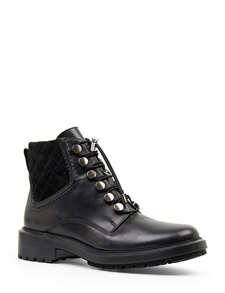 INDA LUG SOLE LACE UP BOOT