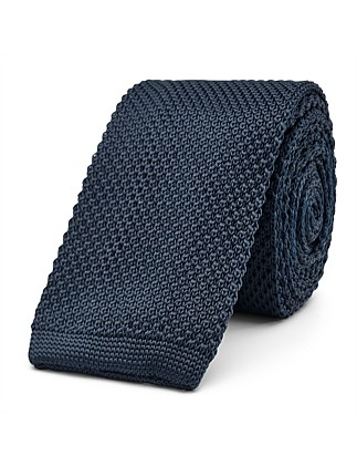 Casim Formal Tie
