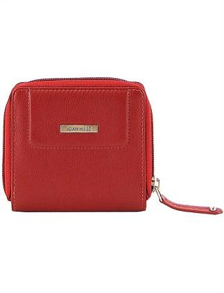 2adf9db691e0 Joan Weisz | Buy Joan Weisz Handbags Online | David Jones