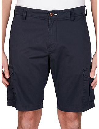 O1. RELAXED TWILL UTILITY SHORTS
