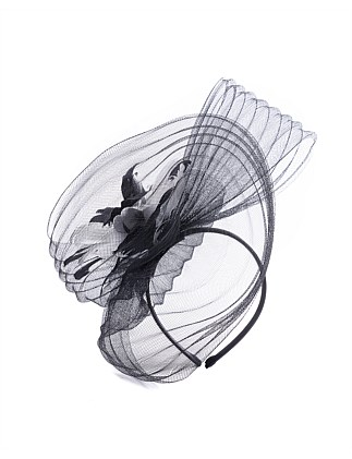 pleated crin swirl with flower