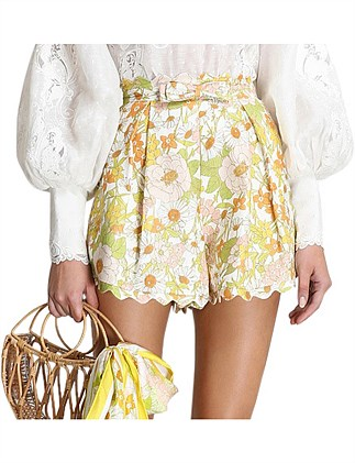 Super Eight Scalloped Short