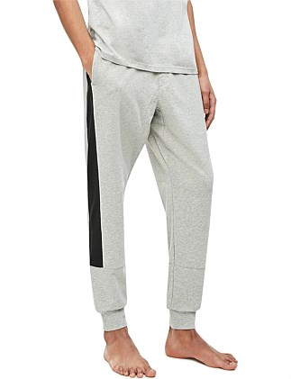 STATEMENT GRAPHIC LOUNGEJOGGER