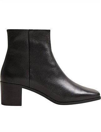 ARIADNY BOOT