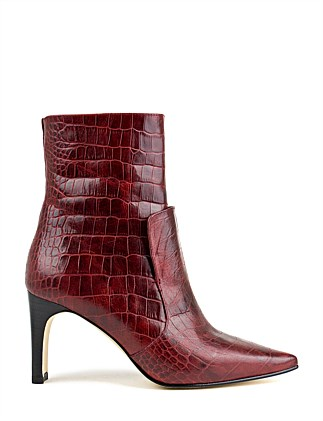 UDELIA POINTED ANKLE BOOT
